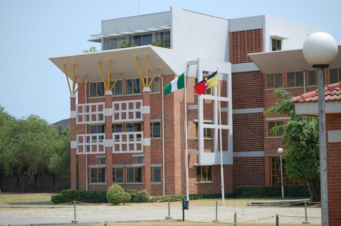 Whitesands school